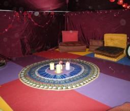 Tente rouge, cercle de femmes - Val d'oise - Cergy
