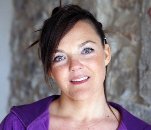 Femme Gironde sophro-thérapeute, praticienne eft, sophro-analyse, spécialiste de