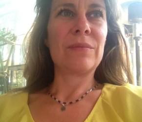 Lithothérapeute, psychopraticienne en relation d'aide, créations de bijoux thérapeutiques dans le 75 Paris 20ème