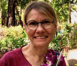 Thérapeute passionnée d'Iridologie, de Yoga, de Méditation, de Soins Quantiques et d'Univers Esotérique dans le 83 Var à Sanary-sur-Mer